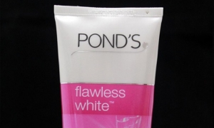 Combo 02 Sữa rửa mặt Pond's Flawless White